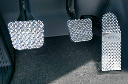 Peterbilt Flat Diamond Cut Billet Pedal Set