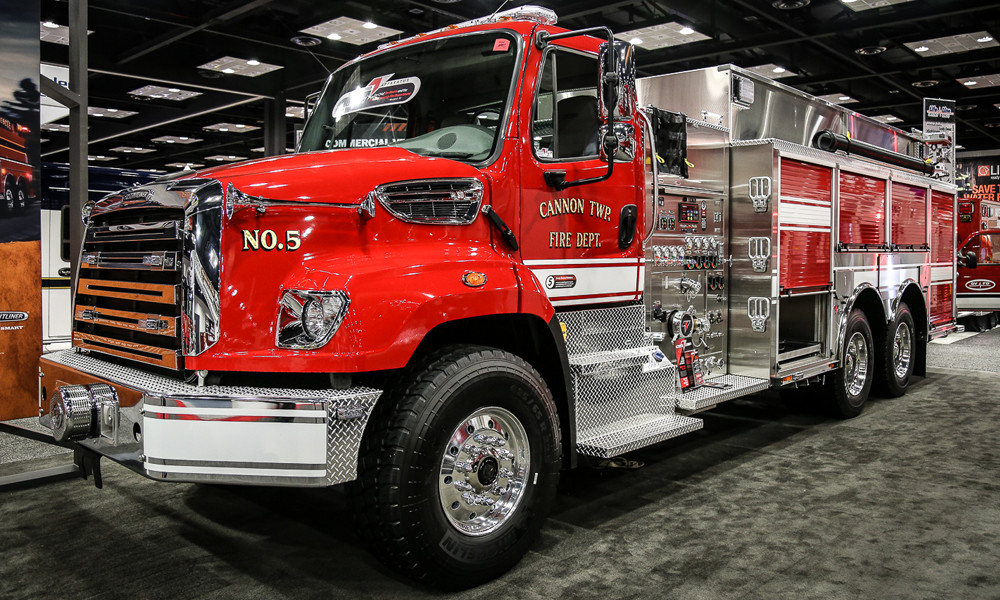 Fire Truck with Axle Covers and a Grille Cover