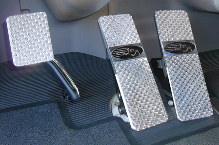Peterbilt 379, 386, 388, 389 Billet Pedals (1994 – Current)