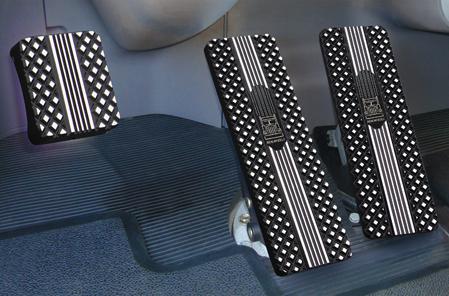 Kenworth T680, T660, T700, T800, W900, T440, T470 Billet Pedals (2007 – 2013)