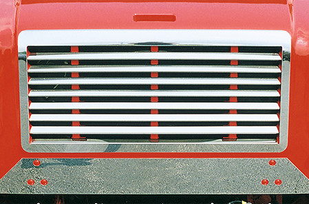 International 4000 Deluxe Grille