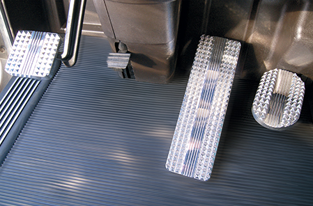 Kenworth Flat and Raised Diamond Billet Pedals